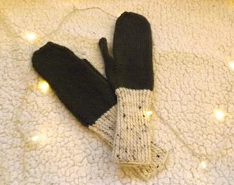 Cosy Khaki & Beige Wool Mittens