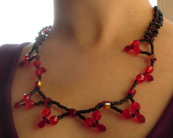 Black and red elegant necklace