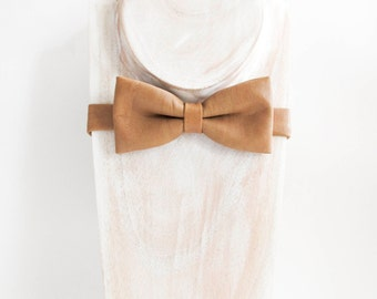 Retro tan textured faux leather bow tie