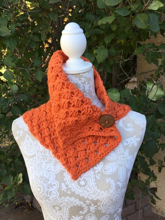 Indian Cross Stitch Cowl a loom knit pattern