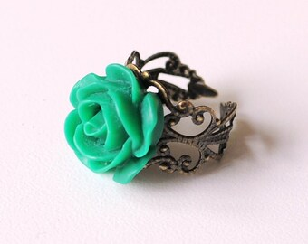 Emerald and Lace adjustable ring