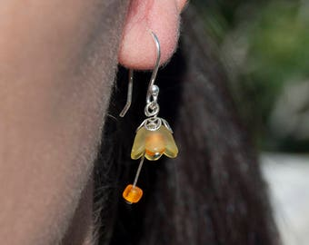 925 Silver bellflower earrings yellow-colored