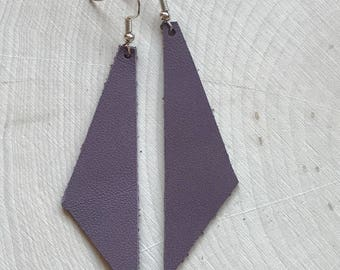 Perfect Angle Leather Earrings {Dusty Plum}