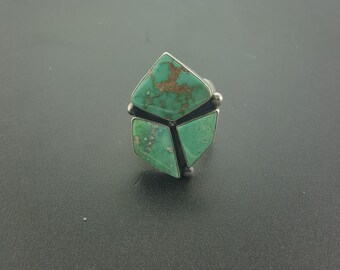 Vintage turquoise ring (slightly adjustable) - size 9