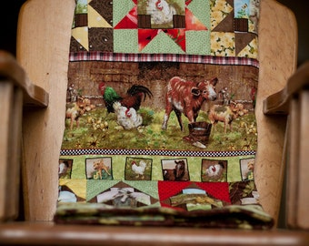 Rows of Farm Animals Baby Quilt