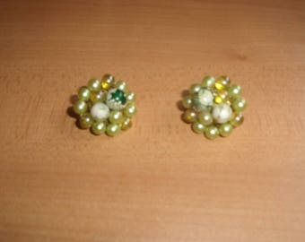 vintage clip on earrings yellow white lucite glass bead clusters