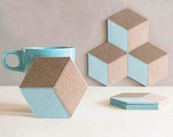Set of felt coasters / hexagonal coasters / pastel colors / geometric coasters / wool felt coasters / modern home decor / made in Italy