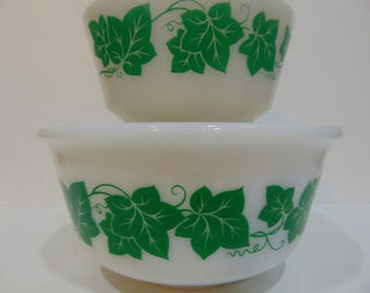 "Set of two Hazel atlas ""green ivy"" Nesting Bowls"