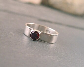 Amira Ring - Garnet and Sterling Silver - Size 8.5