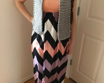 Gray hand-knit acrylic scarf