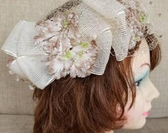 Vintage Women's White Mesh Ribbon Floral Hat
