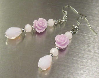 Dangling lilac flower earrings with glass beads