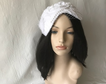 White Felt Wool Vintage Inspired 1950s-1960s Half Hat, White Wedding hat,White Church hat,White fascinator hat,White Felt winter hat, Bridal