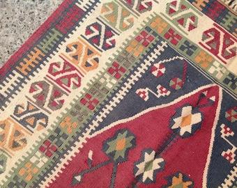 Small size kilim rug, Vintage Turkish rug, burgundy area rug, kilim rug, kelim, vintage rug, bohemian rug, bedroom rug, small rug, 3x5, 066