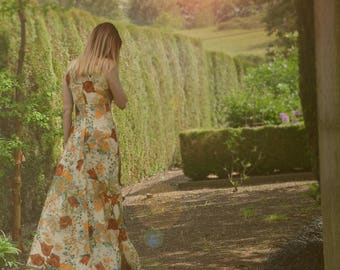 "1970s Dress - Floral Maxi Dress - A-line Full Flare - Sleeveless - Empire Waist - Boho Vintage Maxi Dress - Small Medium 28"" Waist"