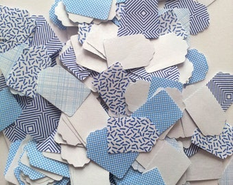 Lot 100 small tags in white and blue patterns