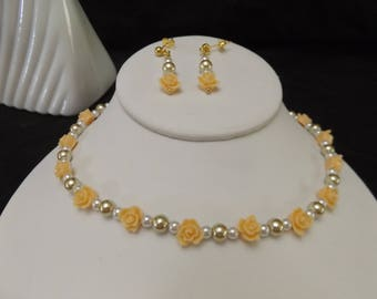 Peach Roses and Glass Pearl Set
