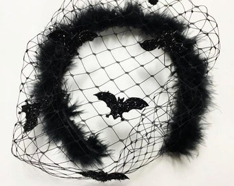 Flying bats feathered headband with veil black