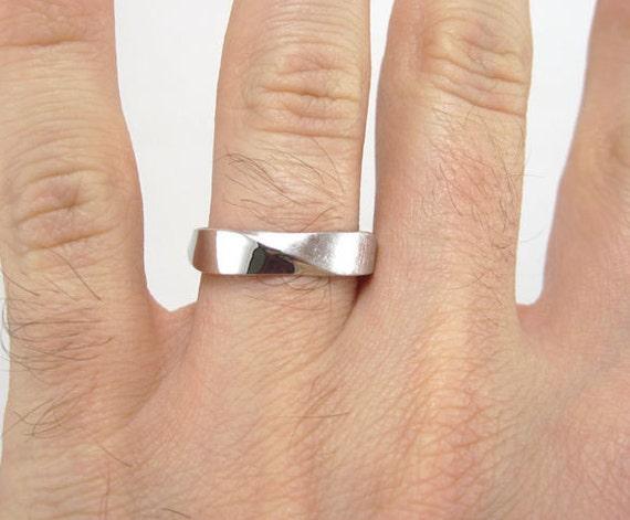 Popular Mobius Wedding band 5mm Mobius Ring In 18k White Gold Mobius UG11