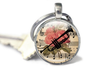Trumpet Keyring, Key chain, Music Keychain, Floral background, music lover gift, musical instrument keyring, gift for female trumpet player