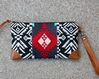 Clutch / Southwestern Tribal Style Fabric Wristlet