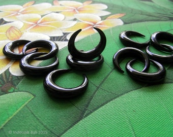 Double Horn 25mm Carved Black Horn Double Drilled Crescent Bead Jewelry Supplies