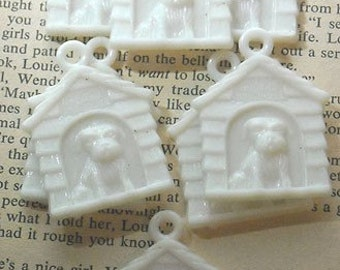 Vintage Im In The Dog House Plastic Cracker Jacking Charms x19