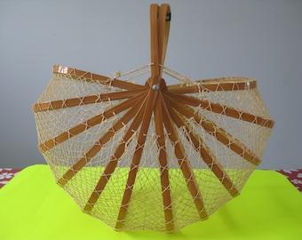 Vintage Market Basket, Collapsible