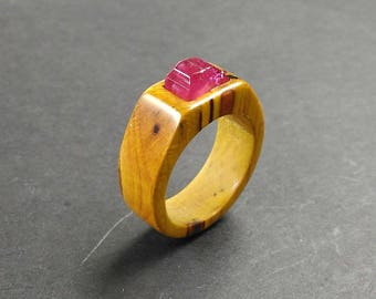 wooden ring //wood ring //wood jewelry //ring for women //Berberis tree wood ring with an rubelite polished stone -Size 17.10 mm (USA 6 3/4)