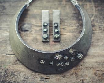 Statement necklace Bib necklace silver black necklace pyrite necklace polymer clay necklace jewelry set minimalistic choker necklace jewelry