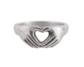 Heart Hands Ring in Sterling Silver- Wedding Ring/ Sweetheart Ring/ Engagement Ring/ Claddagh Ring