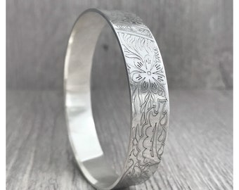 Large Sterling Silver Indian Bangle, Indian design, etched silver indian pattern