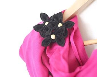 Chic Black Flower Brooch