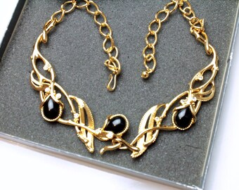 Vintage Jose Maria BARRERA for Avon GRANADA Black Bead Necklace with original box # 789