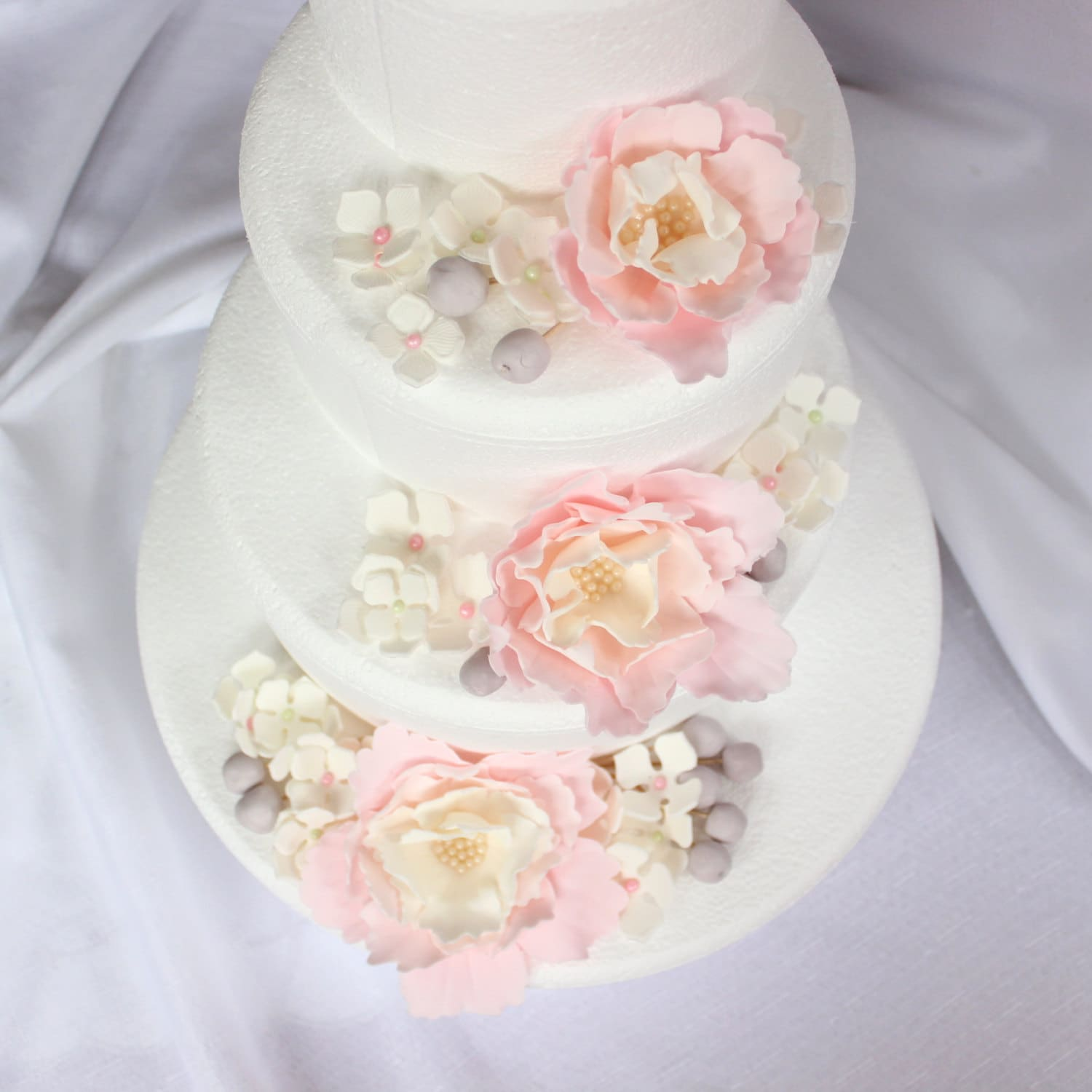Wedding Cake Flowers Edible: Wedding Cake Flowers 51pcs Topper Edible Fondant Flower