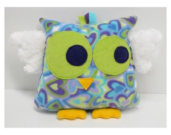 Lovable Owl in Blue, Green, and Violet Heart Print