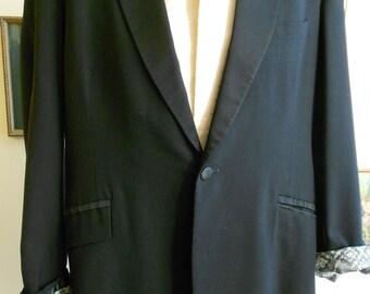 """1960's, 42"""" chest (long), black tux jacke"""