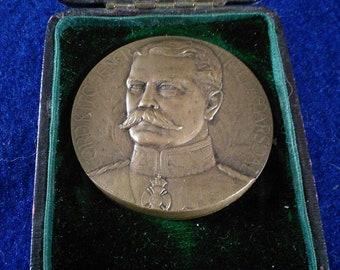 Original bronze medallion of Lord Kitchener