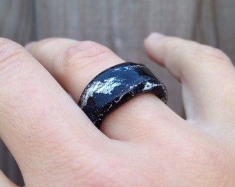 Glass ring lampwork black glass with silver foil. Handmade by Renske Brouwer