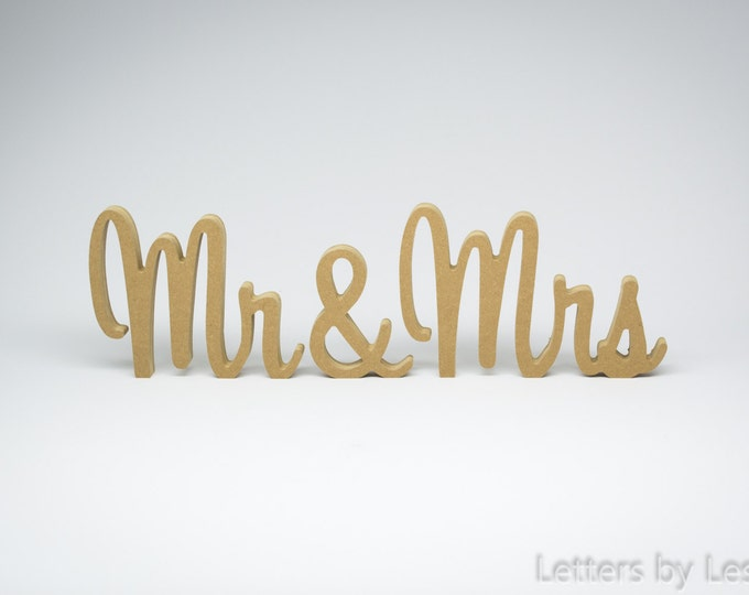 Wooden Mr and Mrs Sign, Wedding Decor, Mr&Mrs, Wedding Table Decor, Mr and Mrs, Wedding Gift, Wedding Sign, Rustic Wedding Decor