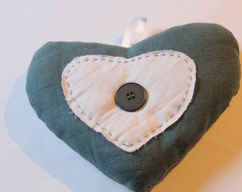 Linen decorative: hanging heart