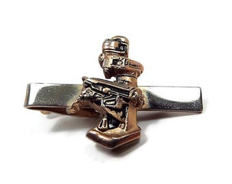 Vintage Tie Clip, Robot Holding Gun, Steampunk Jewelry, Gold Tone, Retro 1970s 70s, Mens Gift, Sci Fi Science Fiction