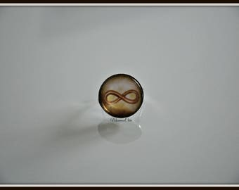 Brown infinity ring