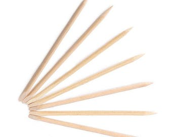 Pack of 20 Wooden Cuticle Pushers. 115mm x 4mm. Wood Nail Sticks for Art and Crafts. Pointed Orange Stick for Manicures and Pedicures.
