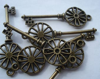10 Antique Bronze Keys, 64mm Antique Bronze Key Charms, Can Hold Rhinestone, Pack of 10 Keys, 30p Each!! C404