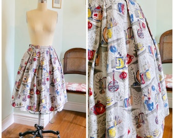 Vintage 1950's Novelty Print Circle Skirt / 50s full skirt teapot leaves kitchen print size xs s