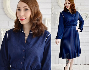 Vintage Navy Blue Polyester Dress with White Piping and Matching Belt by Checkaberry Size Small