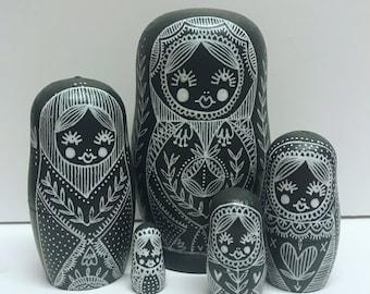 Russian matryoshka doll, nesting dolls in dolls, illustration dolls