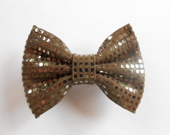 Hair bow in brown leather with Golden sequins 5.5 x 4 cm