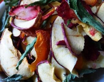 75g - Mélange pomme, abricot, fraise, verveine. Friandises pour lapins. Fait maison.